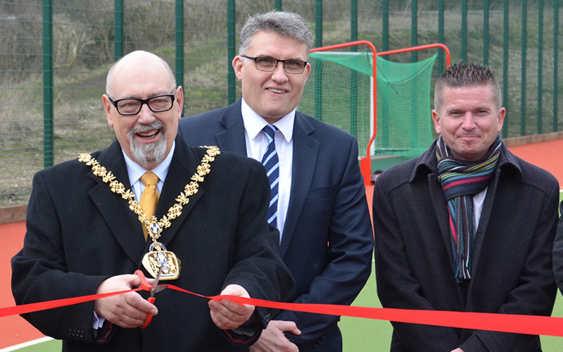 Mayor opens new synthetic hockey pitch