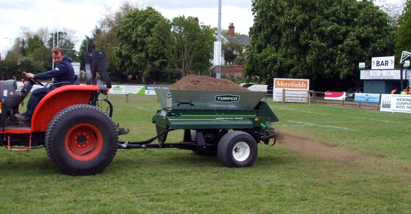 Rugby club pitches get the TOPSOIL treatment