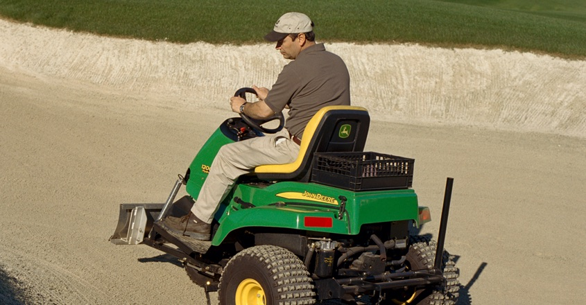 John Deere launches new hydro bunker rake