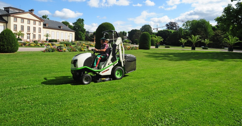 Etesia dealership for Country Machinery