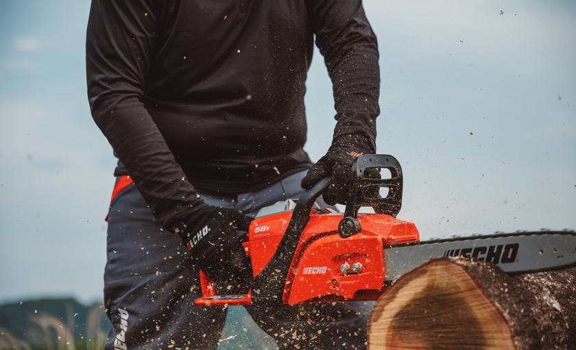 The new ECHO 58V battery chainsaw