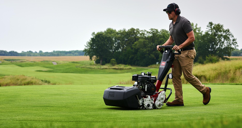Toro Greensmaster 1021 brings consistency