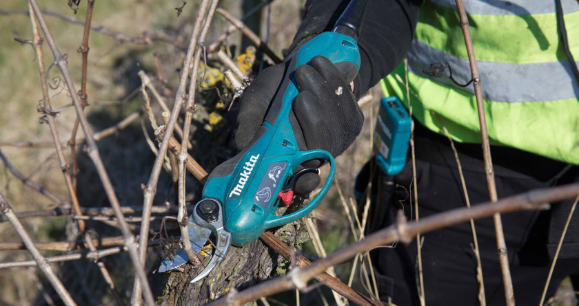 Makita's new cordless backpack pruning shears