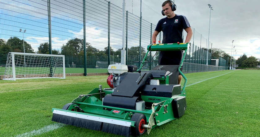 Dennis PRO 34R exceeds standard for rotary mowers