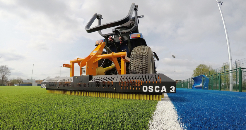 SISIS Osca perfect for synthetic surface maintenance