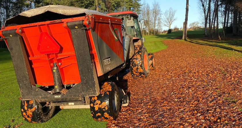 A Trilo S3 takes command of leaf clearance at the Centurion Club
